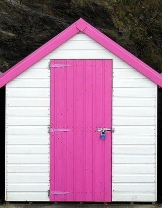 beach-hut-1933938_1280-291908-edited.jpg
