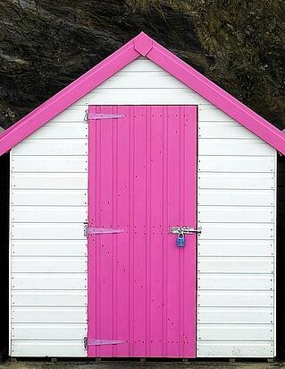 beach-hut-1933938_1280-291908-edited.jpg
